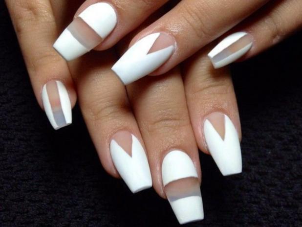 длинный дизайн ногтей negativespace
