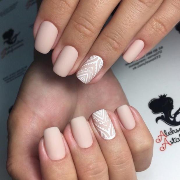 Матовый длинный дизайн ногтей