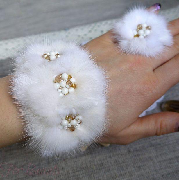 Модные браслеты с мехом 2018-2019 фото