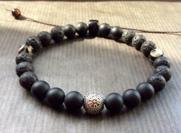 Модный браслет из натуральных камней 2018