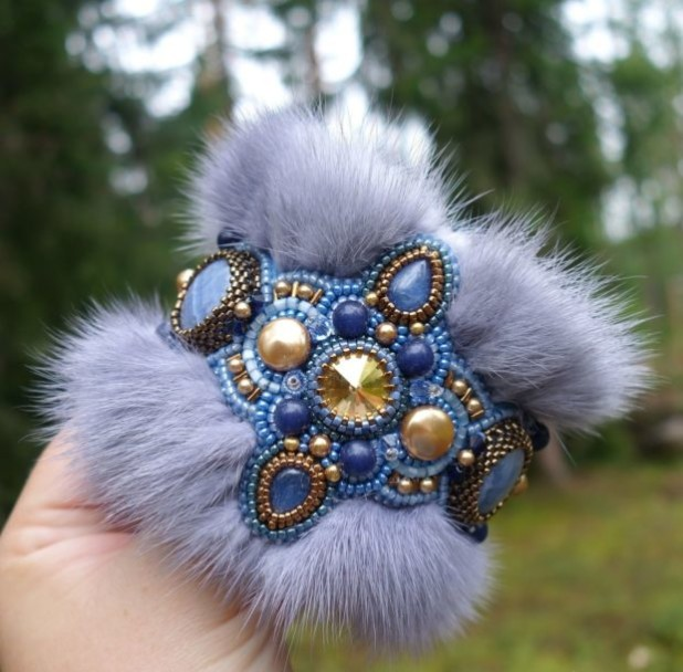 Модный браслет с мехом 2018