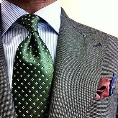 галстук в крапинку