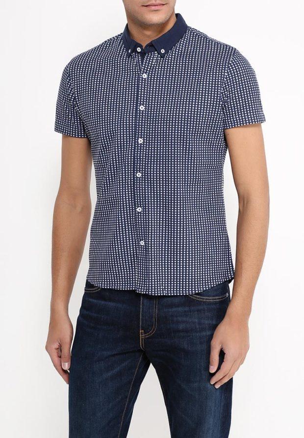 модные мужские рубашки 2018 2019: синяя в горох