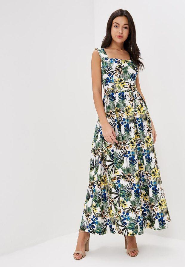 повседневное платье с цветочнымпринтом