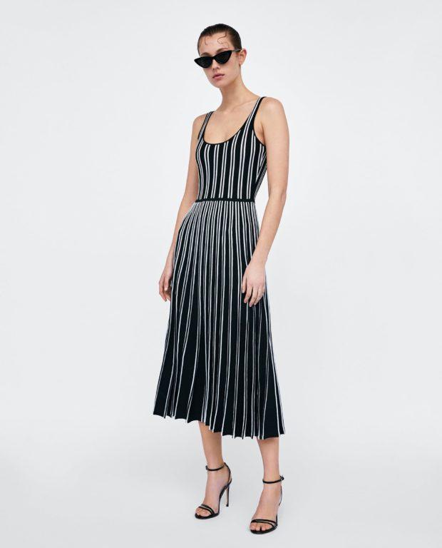 Модные платья 2018-2019 на каждый день: черное в полоску