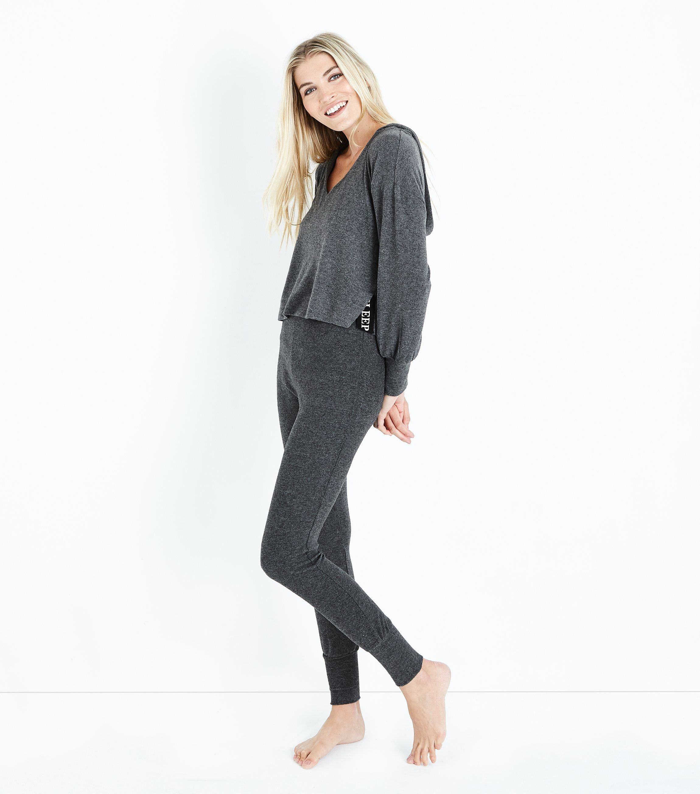 спортивные костюмы 2018 2019 женские: серый в пижамном стиле