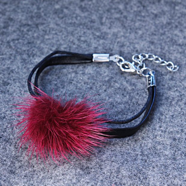 Модный браслет с мехом