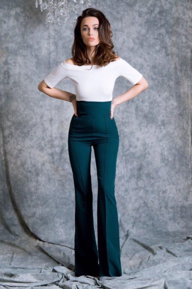 женские брюки: клеш болотные