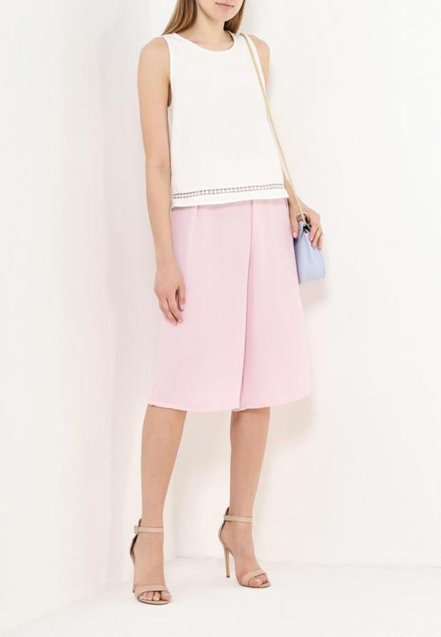 модные женские брюки: розовые кюлоты