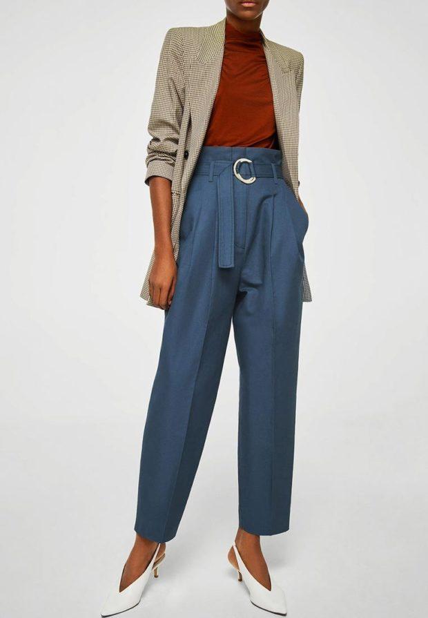 женские брюки 2020-2021 года: синие широкие с поясом