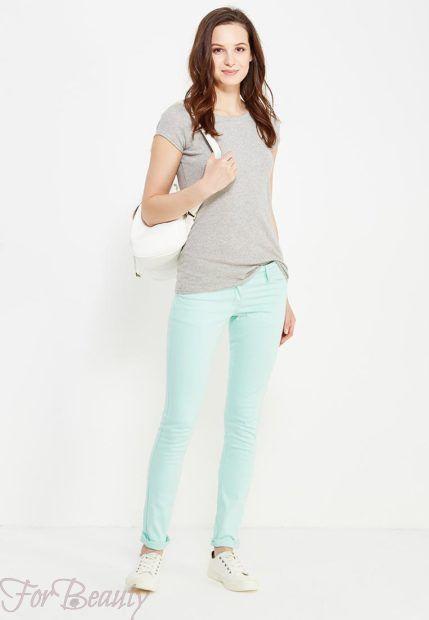 модные брюки женские 2019: голубые скинни