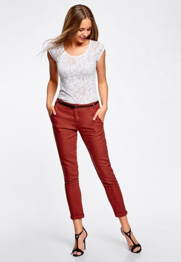 женские брюки 2020 года: бордовые укороченные