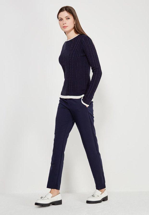 женские брюки 2020: синие узкие