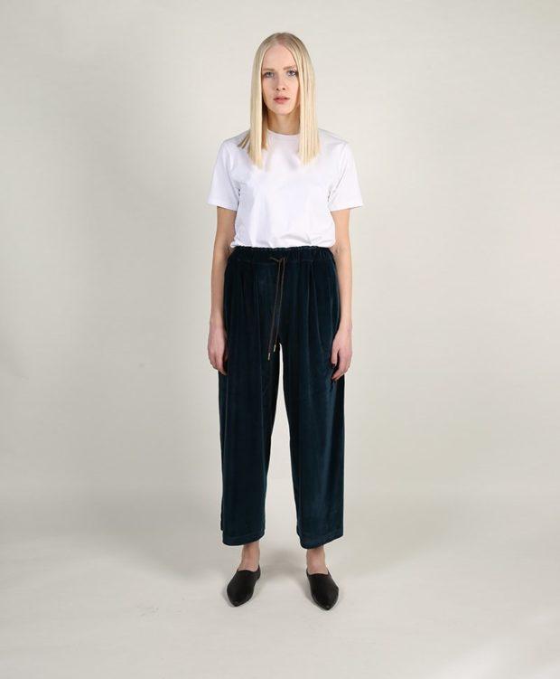 модные брюки в 2020-2021 году для женщин: бархатные широкие