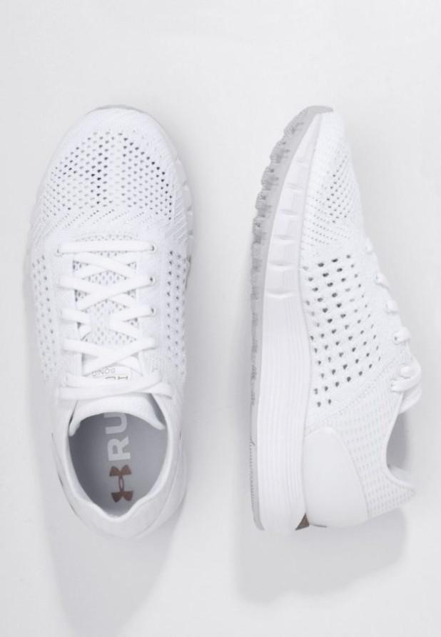 Модные белые кроссовки 2018-2019