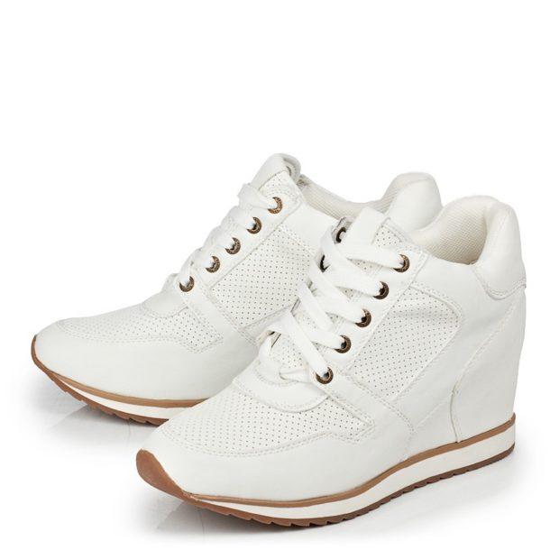 Модные белые кроссовки на танкетке 2018-2019