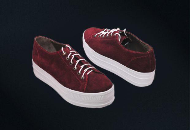 Модные красные кроссовки с высокой подошвой