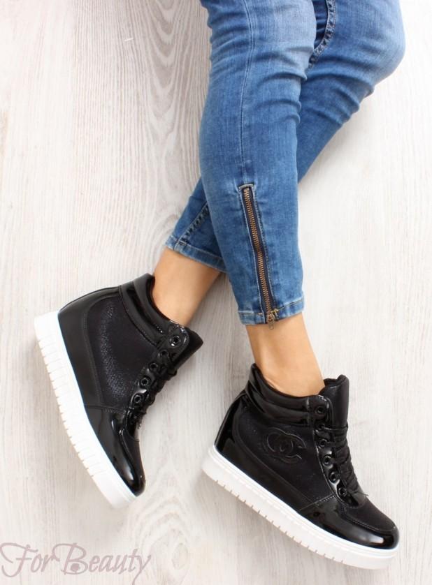 Модные черные  кроссовкисникерсы2018