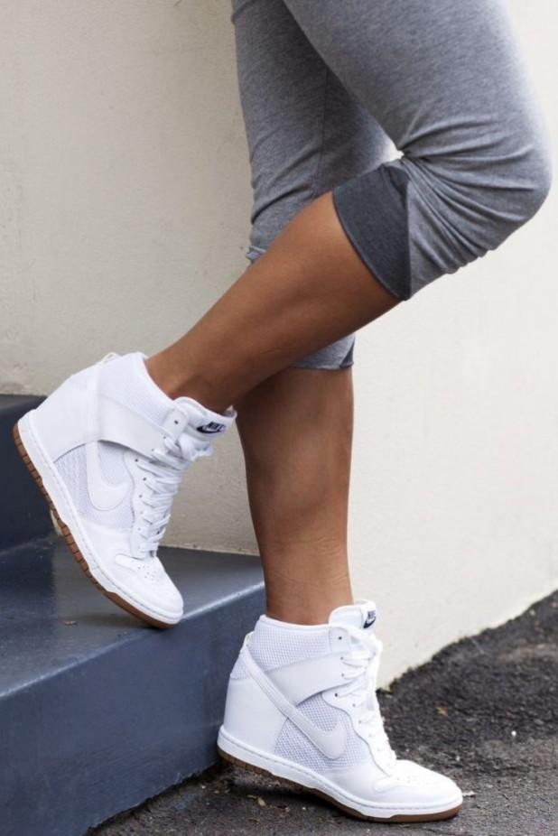 Модные белые кроссовкисникерсы2018-2019
