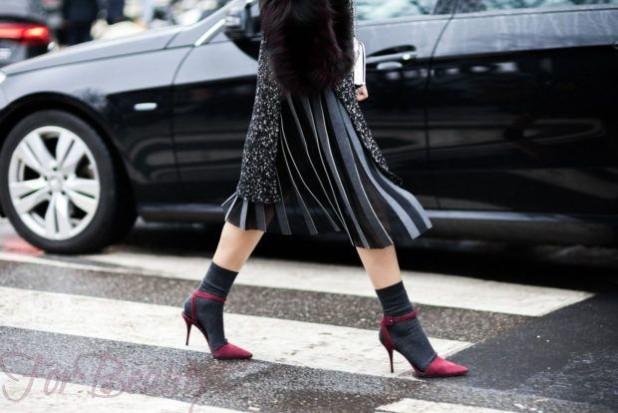 модные туфли 2018: носки серые