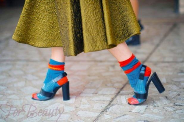 модные туфли 2018: носки синие