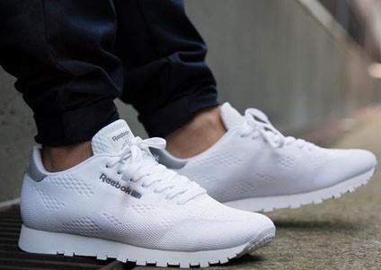 Модные белые кроссовки 2018