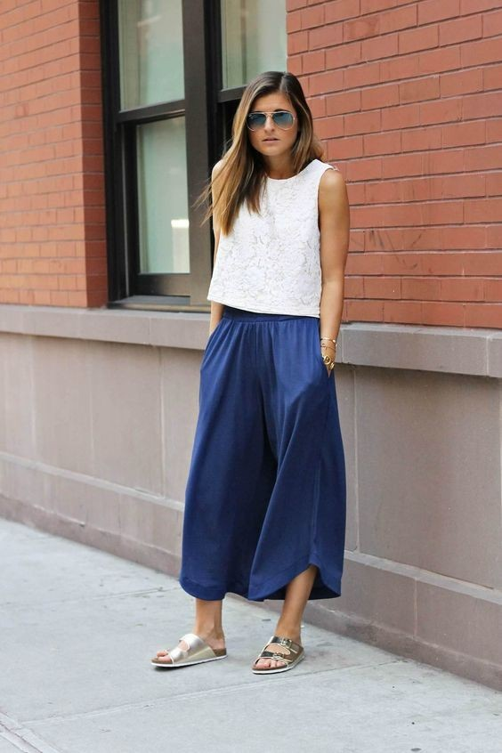 женские брюки 2018-2019 года модные тенденции фото: синие широкие