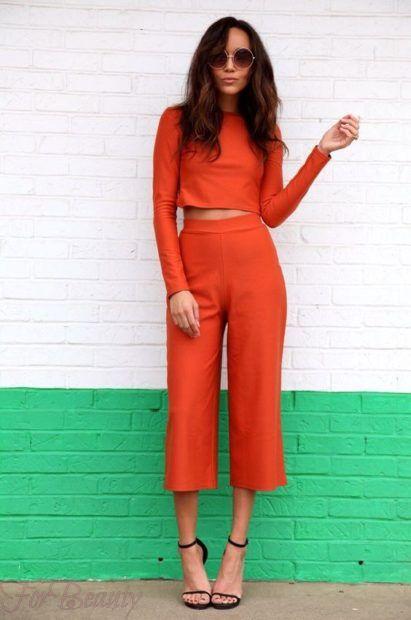 модные брюки женские 2019: 7/8 красные укороченные