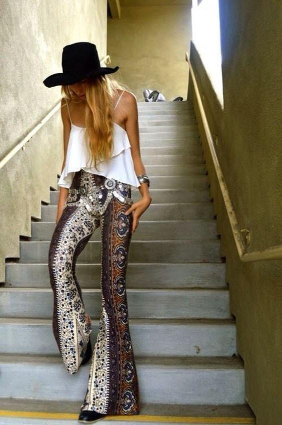 женские брюки: клеш с принтом