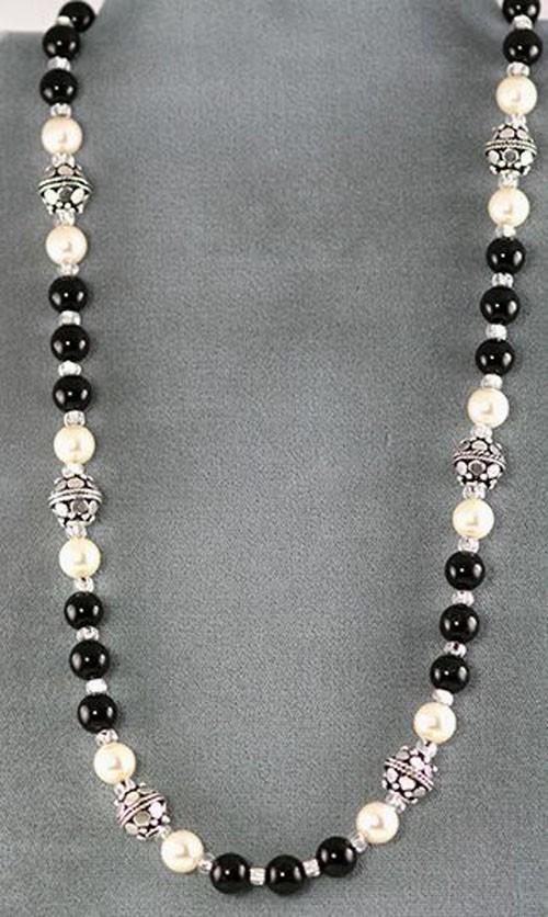 Модные бусы и ожерелья на шею