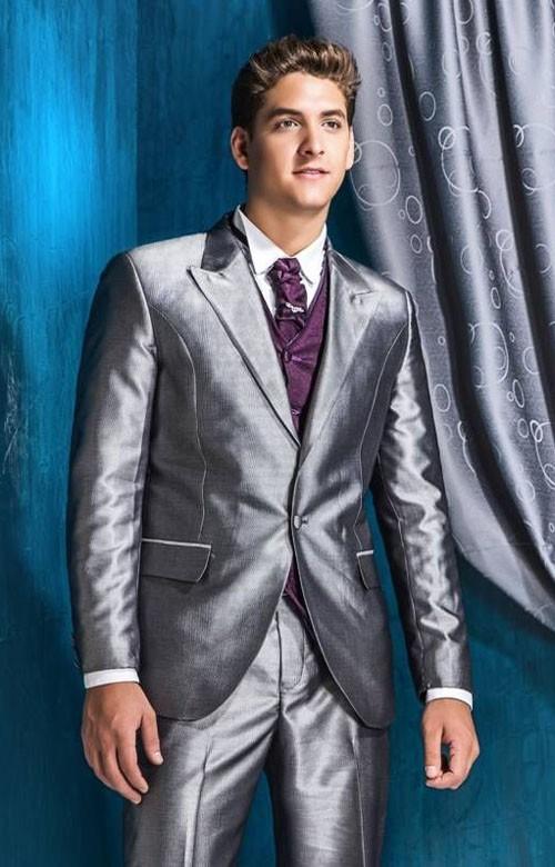 Яркий костюм на выпускной для парня 2018 фото