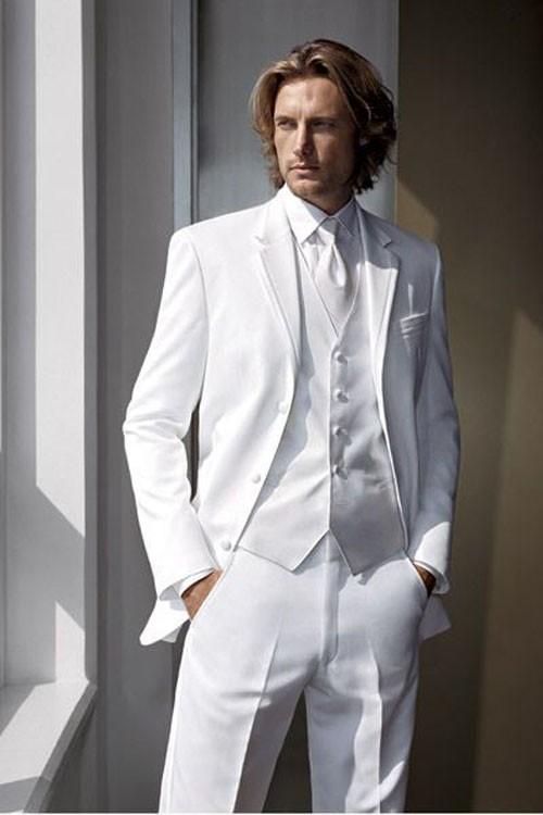 Белый костюм на выпускной для парня 2018 фото