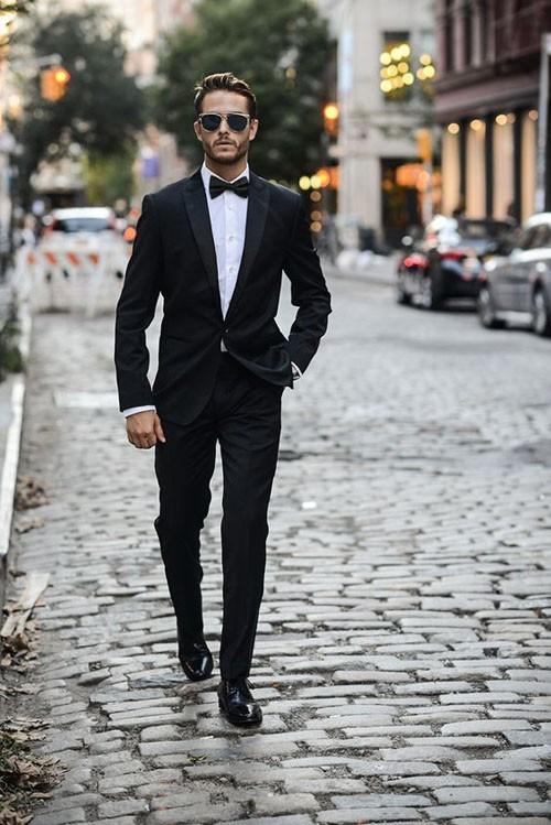 Классический костюм на выпускной для парня 2018 фото