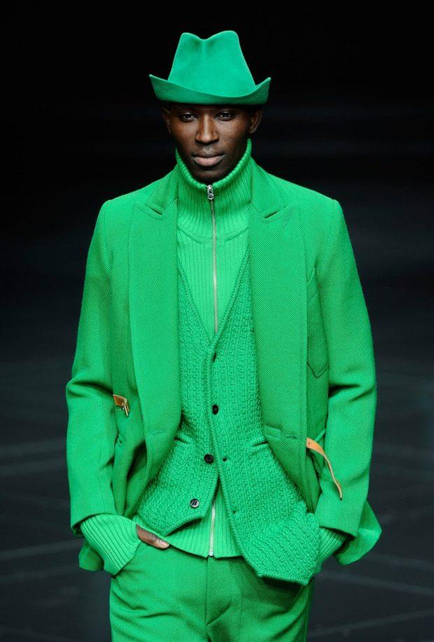 зеленый костюм на выпускной для парня 2018-2019