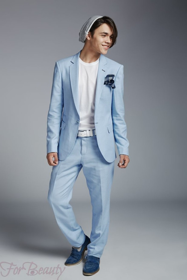 голубой костюм на выпускной для парня 2018