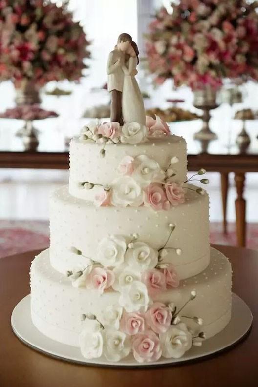 свадебный торт с фигурками фото