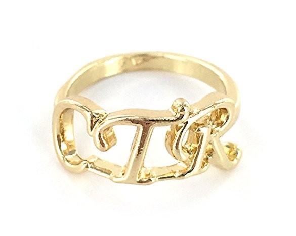 Перстень с инициалами фото