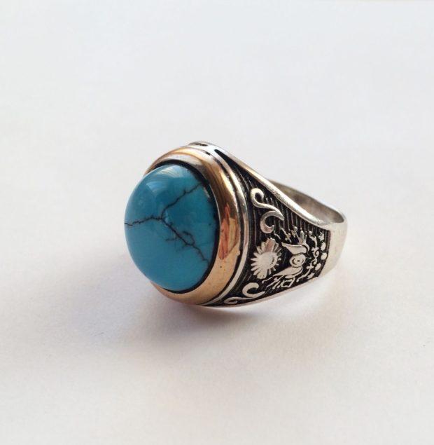 мужской перстень с камнем
