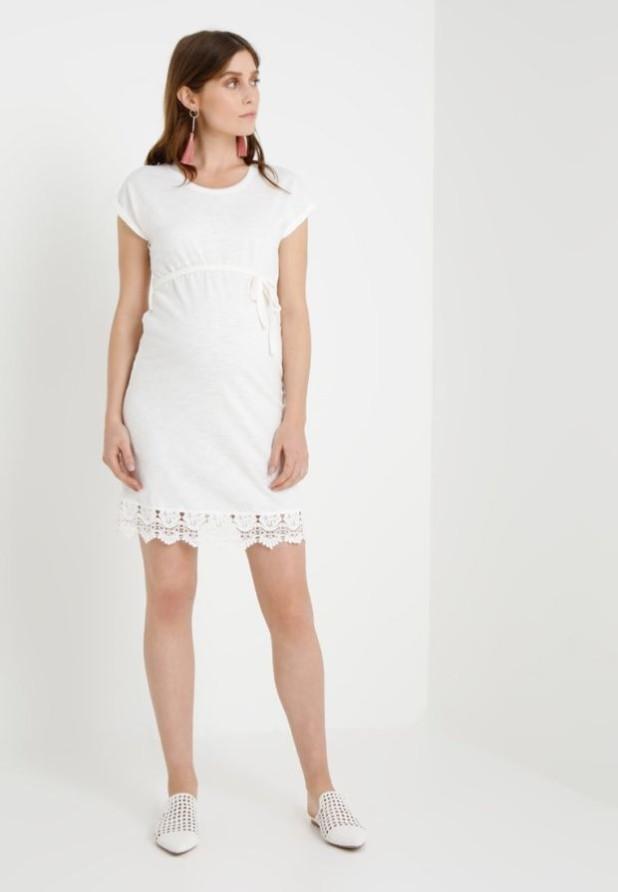 мода для беременных: Легкое белое платье