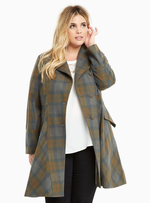 мода для полных: пальто