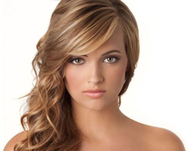 Модная асимметричная челка на длинные волосы