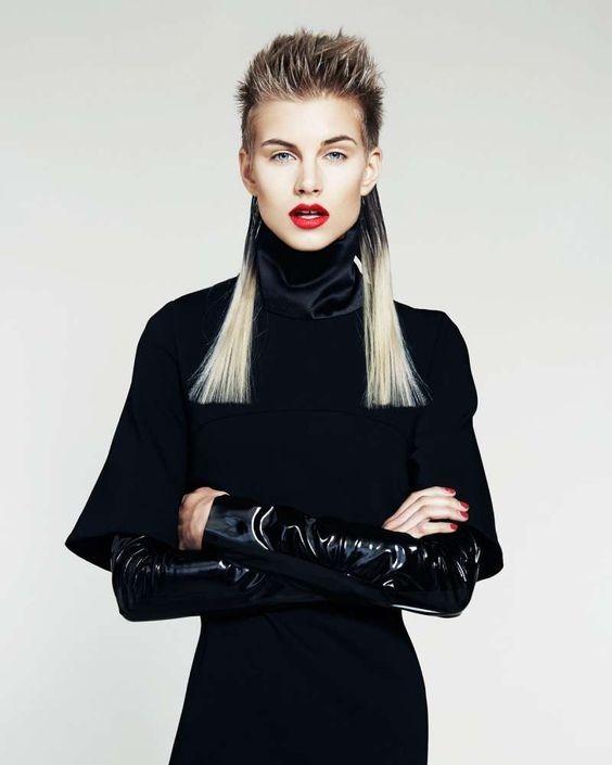 Модная короткая челка на длинные волосы