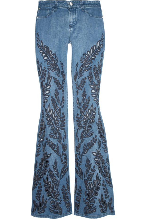 женские джинсы: клёш с принтом