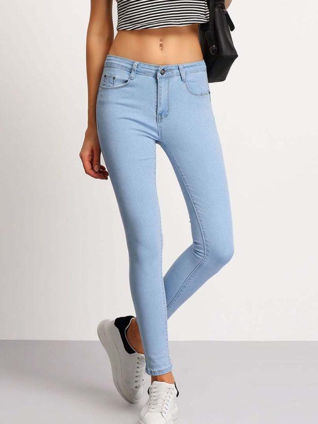 Женские джинсы голубые узкие