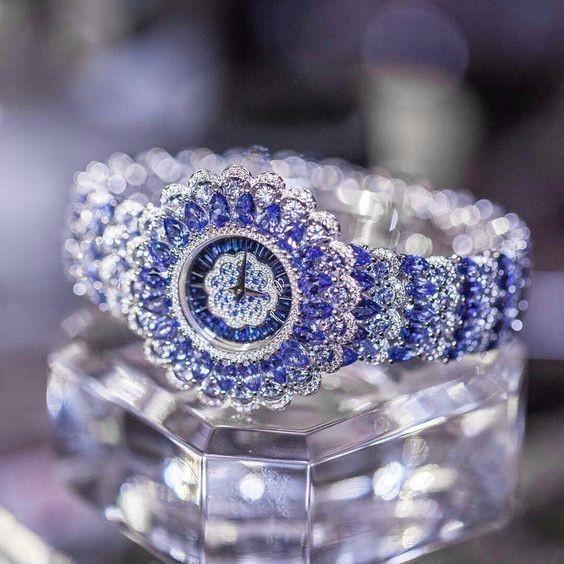красивые женские часы в форме браслетов 2017 фото