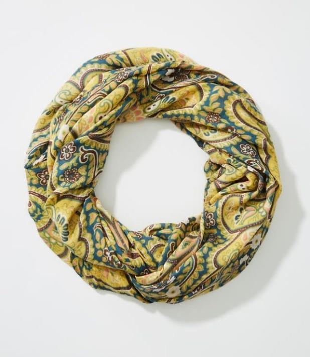 аксессуары: Модные шарфы 2018-2019 женские фото