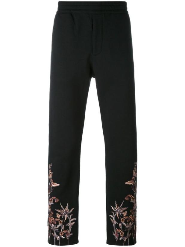 стильные мужские джинсы в стилегранж