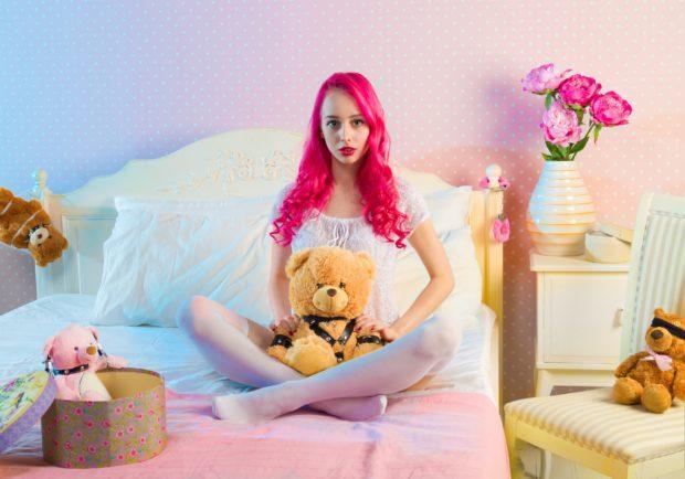 Модные розовые оттенки волос