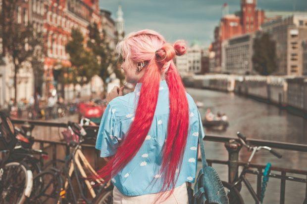 Модные розовые оттенки волос фото