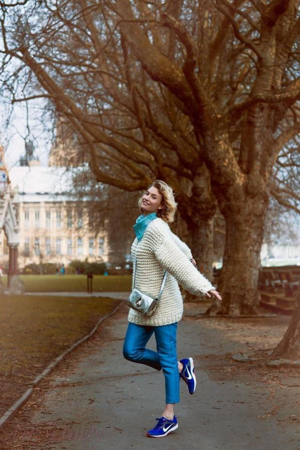 Модные вязаные женские свитера фото